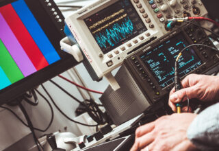 Auxiliar en Mantenimiento Eléctrico y Electrónico